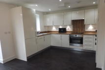 4 bedroom house in Alcock Crecent, Crayford...