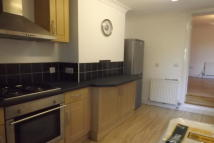 Flat to rent in Hawley Road, Dartford...