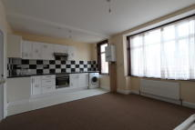 1 bed Flat to rent in Sidney Avenue, London...