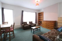 Flat to rent in Wightman Road, London, N4
