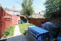 4 bedroom Terraced property to rent in Morley Avenue, London...