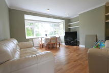 2 bedroom Maisonette to rent in The Glade, London, N21