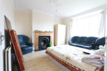 Flat to rent in Hamilton Crescent...