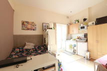 1 bed Studio apartment in Willoughby Road, London...