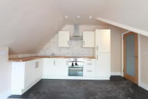 2 bed Flat in WHITTINGTON ROAD, London...