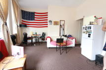 1 bedroom Flat to rent in PALACE GATES ROAD...