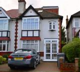 4 bed semi detached property in The Glen, The Glen...