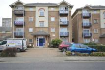 Flat to rent in Copland Road, Wembley...