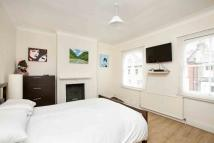 2 bed house to rent in Paxton Road, London