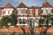 4 bedroom Terraced house for sale in Wavendon Avenue, London