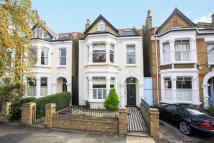 5 bedroom house in St. Marys Grove, London