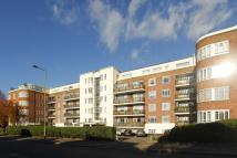 Flat for sale in Golders Green Road...