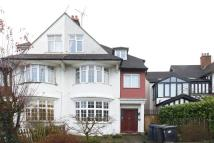 2 bedroom Flat in Park Drive...