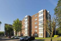 Flat to rent in Brampton Grove, Hendon...