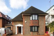 6 bed property to rent in Hoop Lane, Golders Green...
