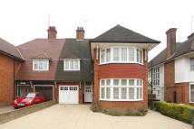 4 bed property in Finchley Road...
