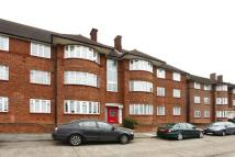 3 bed Flat in Beaufort Park...