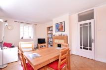 3 bed Flat in Lyttelton Road...