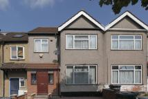 3 bedroom property to rent in Park Road, Hendon, NW4