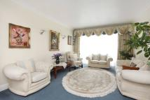 5 bed house in Wayside, Golders Green...