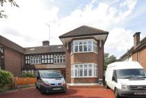 3 bed Flat to rent in Parson, Hendon, NW4