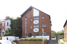 Flat to rent in Sunny Gardens Road...