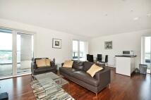 Penthouse in Shearwater Drive, Hendon...