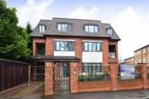 3 bedroom Flat in Ashley Lane, Hendon, NW4
