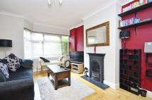 Flat in Eversleigh Road...