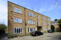 2 bed Flat in High Road, Whetstone, N20