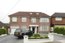 6 bed house in Fairholme Gardens...