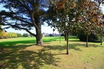 Flat to rent in Princess Park Manor...