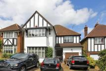 4 bed house to rent in Friern Barnet Lane...