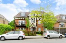Flat to rent in Holders Hill Road...