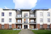 Flat in Cheviot Court, Whetstone...