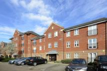 Flat to rent in Shillingford Close...