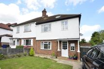 4 bed house in Laurel Way, Totteridge...