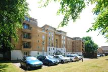 Flat to rent in Sparkford Gardens...