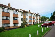 2 bed Flat in Friern Park...