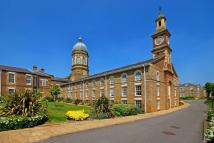 Flat for sale in Royal Drive...
