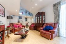 2 bedroom property in Lombard Road...