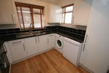 Flat to rent in East Street, Farnham