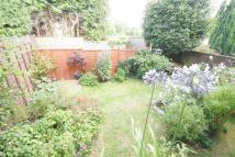 Flat to rent in Rushden Way, Farnham