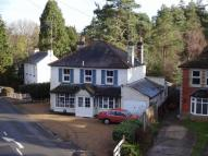 4 bed Detached house in Frensham Road...