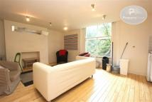 Flat in Dresden Road, Archway...