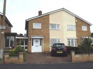 3 bed semi detached home in Saffron Close, Hoddesdon