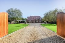 5 bed Detached home in Warfield, Berkshire