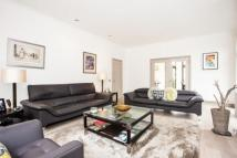 4 bedroom Detached property in Highfields Grove...