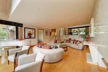 Flat for sale in Highgate West Hill...