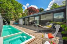 5 bed Detached home in Warren House, Highgate...